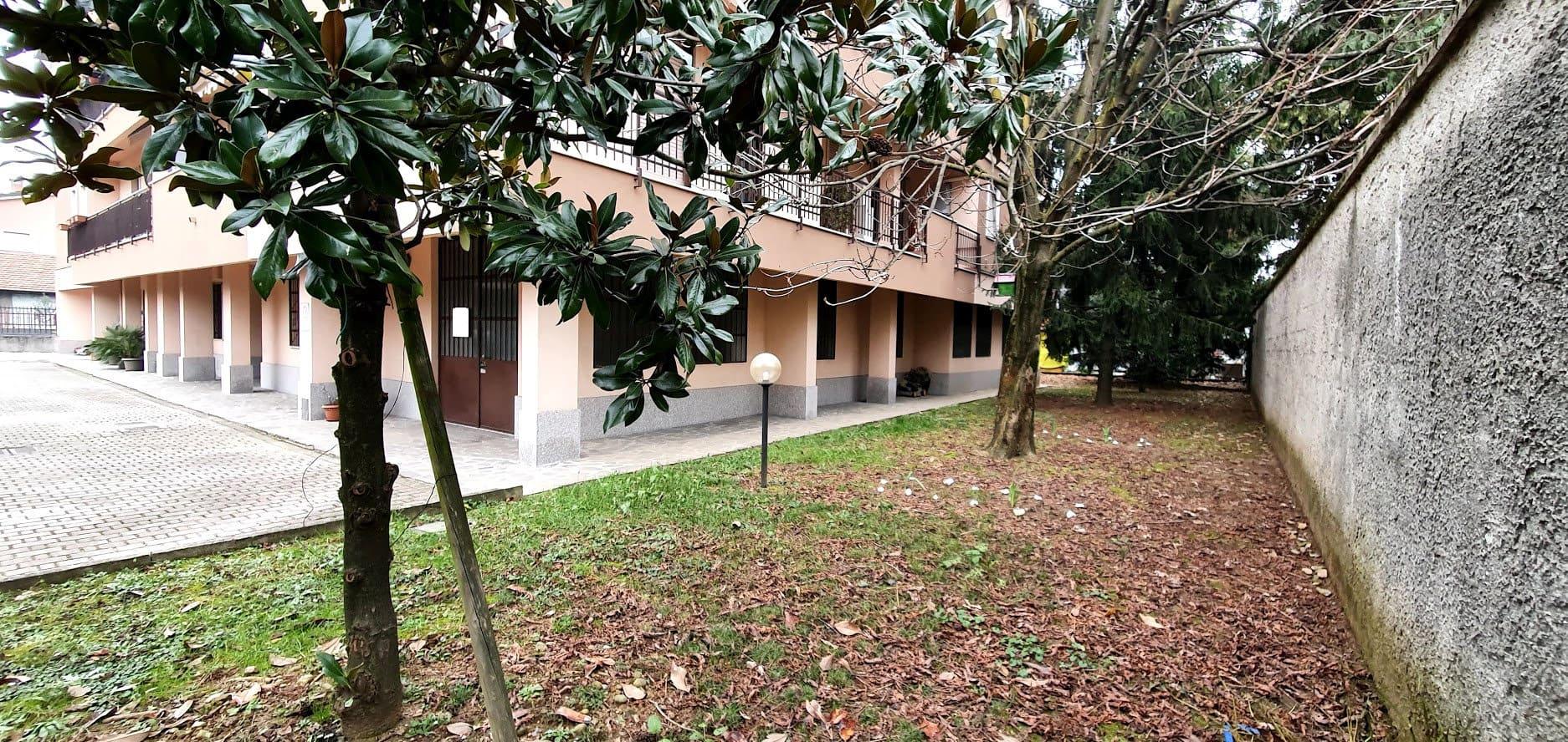 Vendita Magazzino Monza e Brianza, Possibilità realizzazione due appartamenti – Sant'Albino
