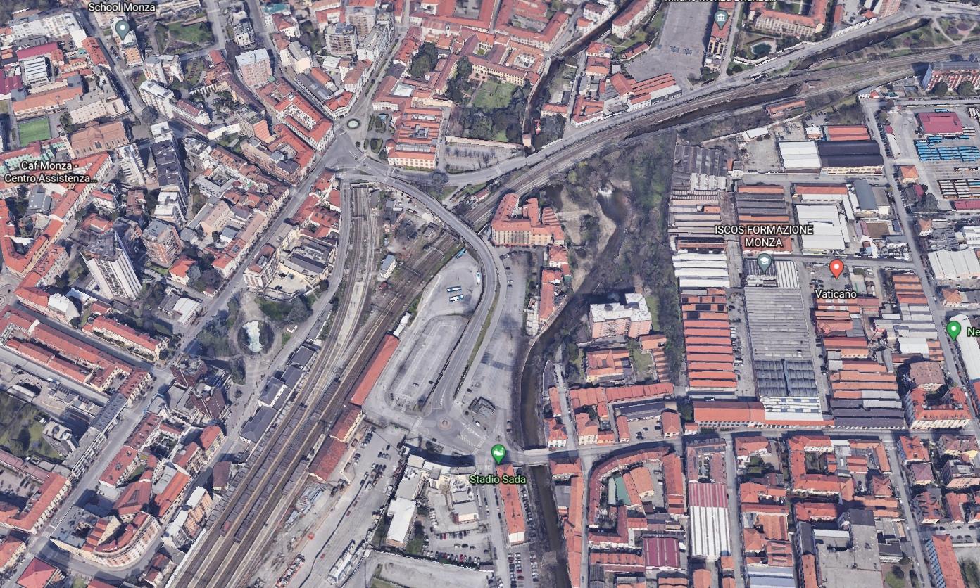 Monza centro – Intero stabile uso commerciale in vendita